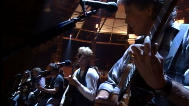 The Eagles Play Amazing Acoustic Version Of Hotel