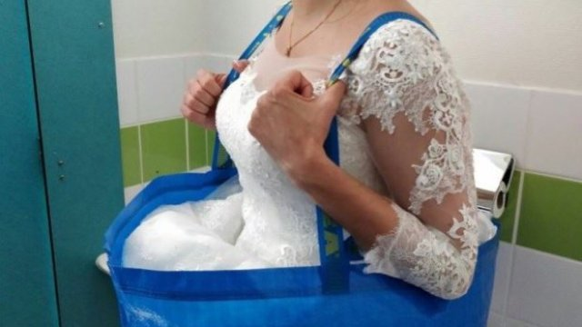 This IKEA Bag Hack For A Bride Who Needs To Wee While In A