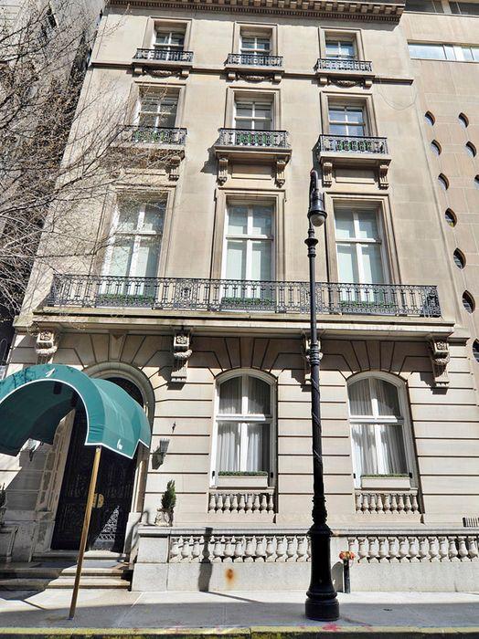 1 East 62nd Street Apt 3ab New York Ny 10065 Sotheby S International Realty Inc