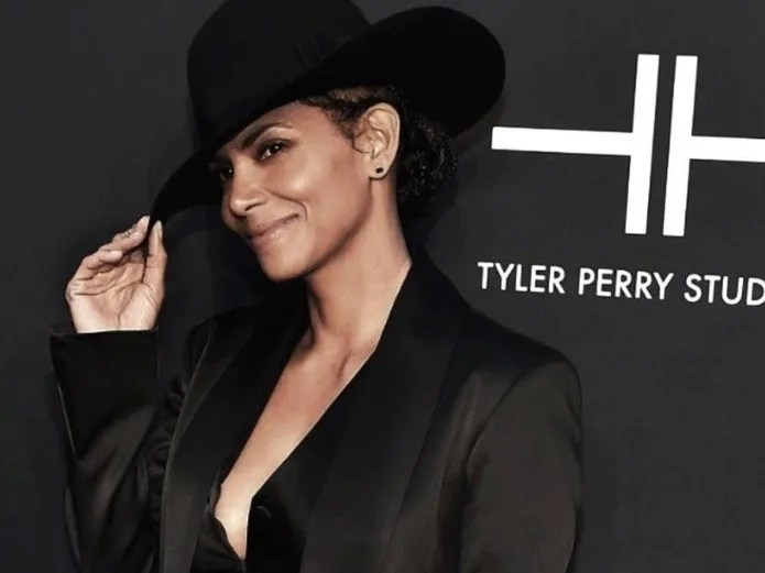 Halle Berry: her small son wear heels and attack him with cruel criticism(Instagram)