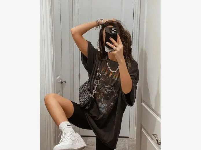 Trends 2020: How to use sports clothing the right way(Especially instagram)
