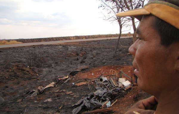 Un incendie a ravagé un campement guarani situé au bord d'une route, dans l'Etat brésilien du Mato Grosso do Sul.