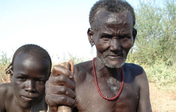 Les Kwegu sont l'une des tribus menacées par le barrage Gibe III dans la vallée de l'Omo, en Ethiopie.