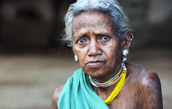 Molti Baiga denunciano di aver subito trattamenti violenti da parte dei guardaparco, e di soffrire la povertà al di fuori della loro terra ancestrale.