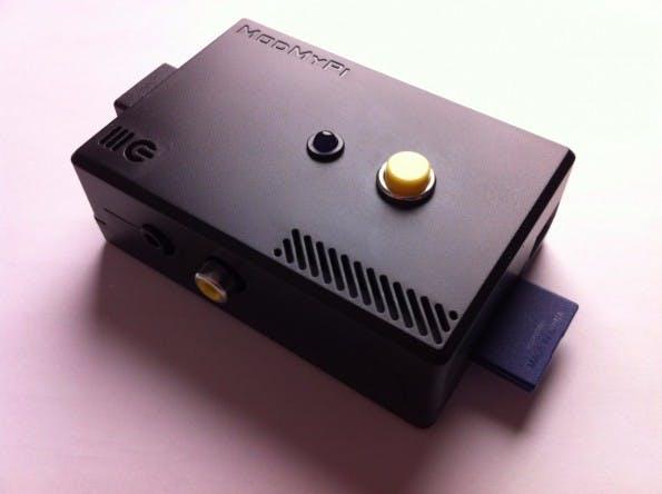 Raspberry Pi hilft Senioren: Dieser Audiobuch-Player lässt sich mit einem Knopf bedienen. (Foto: Michael Clemens)