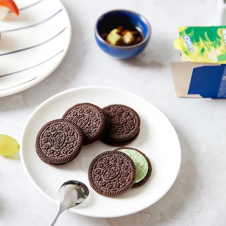 Plate of Wasabi Oreo's only available in China