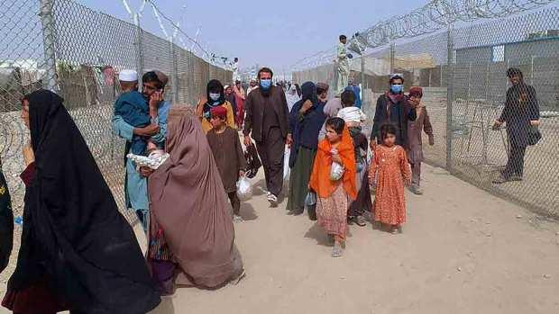 চমন সীমান্ত সীমান্ত পেরিয়ে পাকিস্তানে আফগানরা।