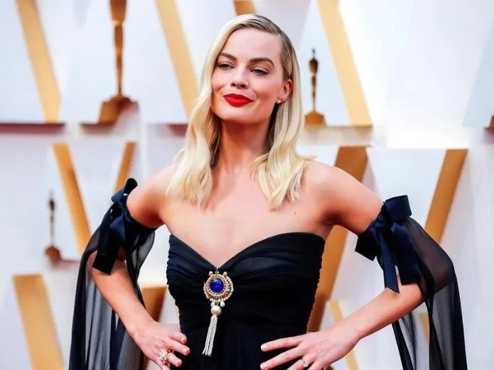Photo: Margot Robbie is proposed by George Lazenby to the role of 007 / EFE