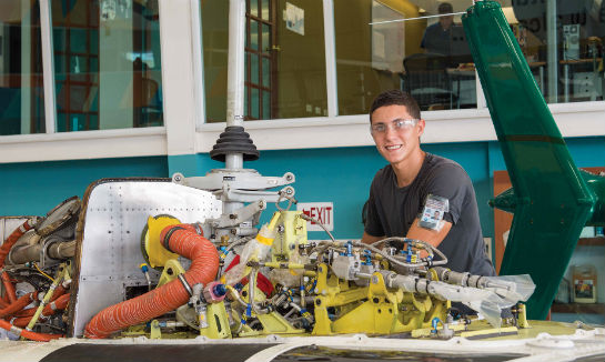 Angel Rivera is one Ecolift's new talents, here working on a Bell 206.
