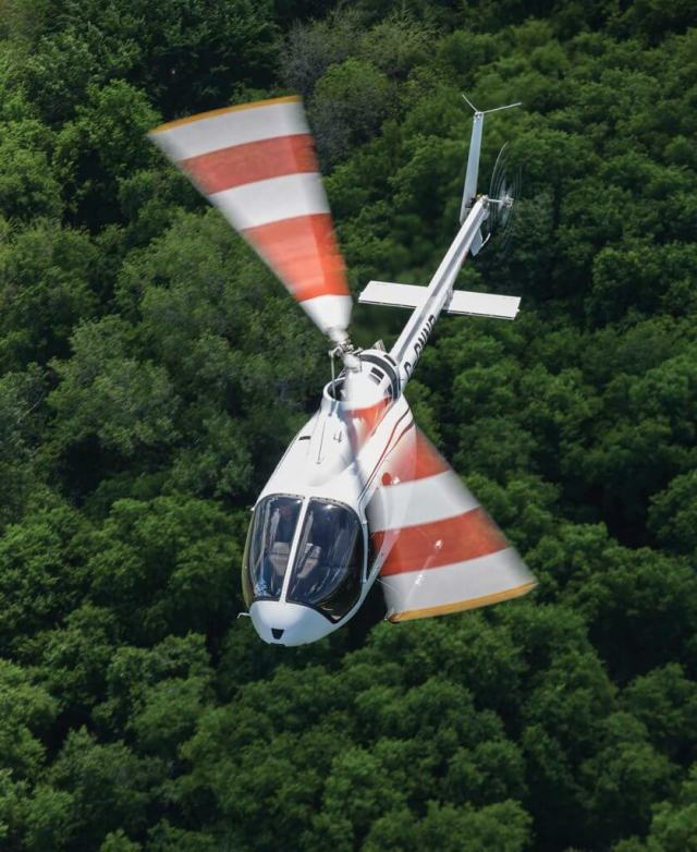 The cabin of the 505 is 10 inches wider than the Bell 206B, seating five people comfortably. Visibility is excellent from all seating positions. Sheldon Cohen Photo