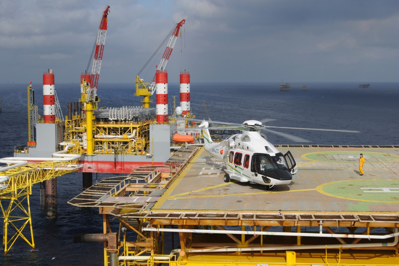 Waypoint reckons that a super medium's cost per seat-mile is less than a heavy Sikorsky S-92's at most radiuses of action, making the lower operating costs of the rotorcraft worth the investment. Airbus Helicopters Photo