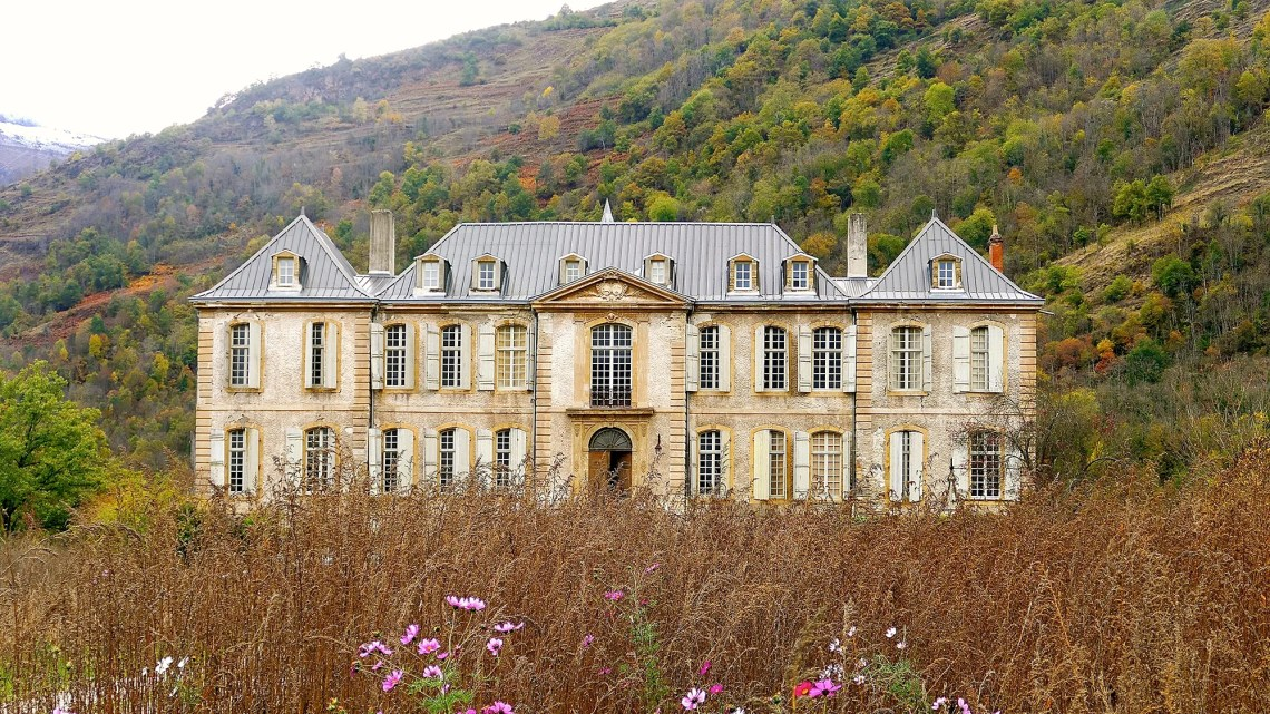 16th Century French Home - 12-18th-century-french-chateau-renovation_Beautiful 16th Century French Home - 12-18th-century-french-chateau-renovation  Graphic_983610.jpg