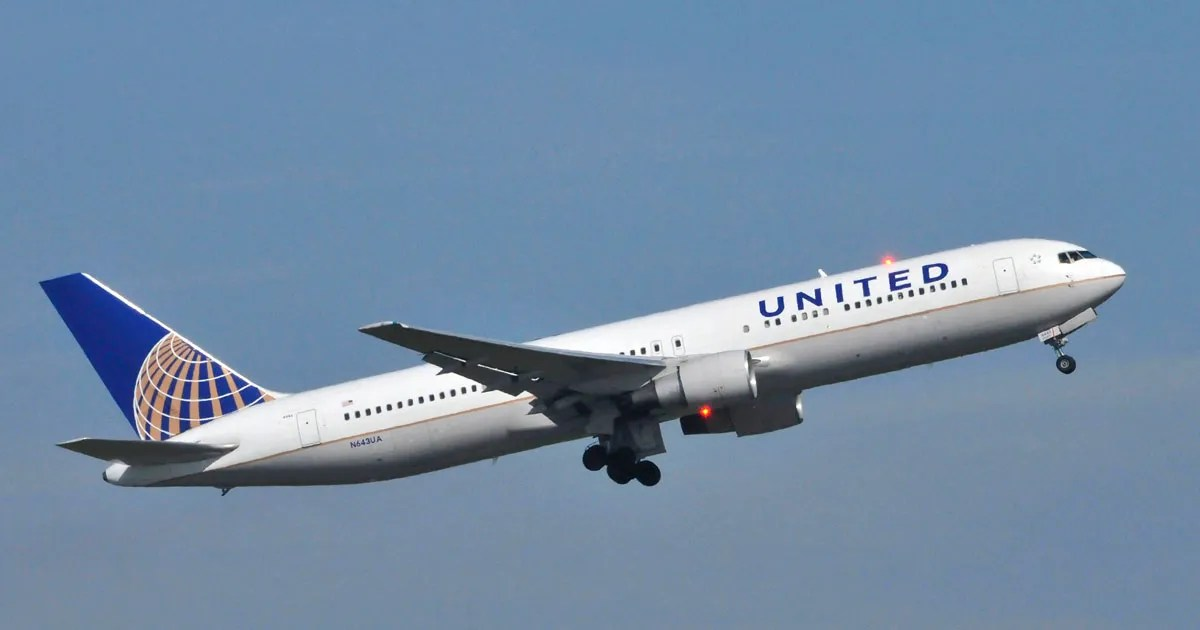 United Airlines Apologizes For Forcibly Removing A