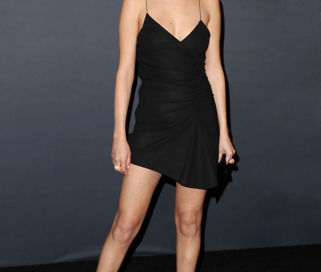 Selena Gomez Proves That A Killer Set Of Legs Is The Best Holiday Accessory Vogue