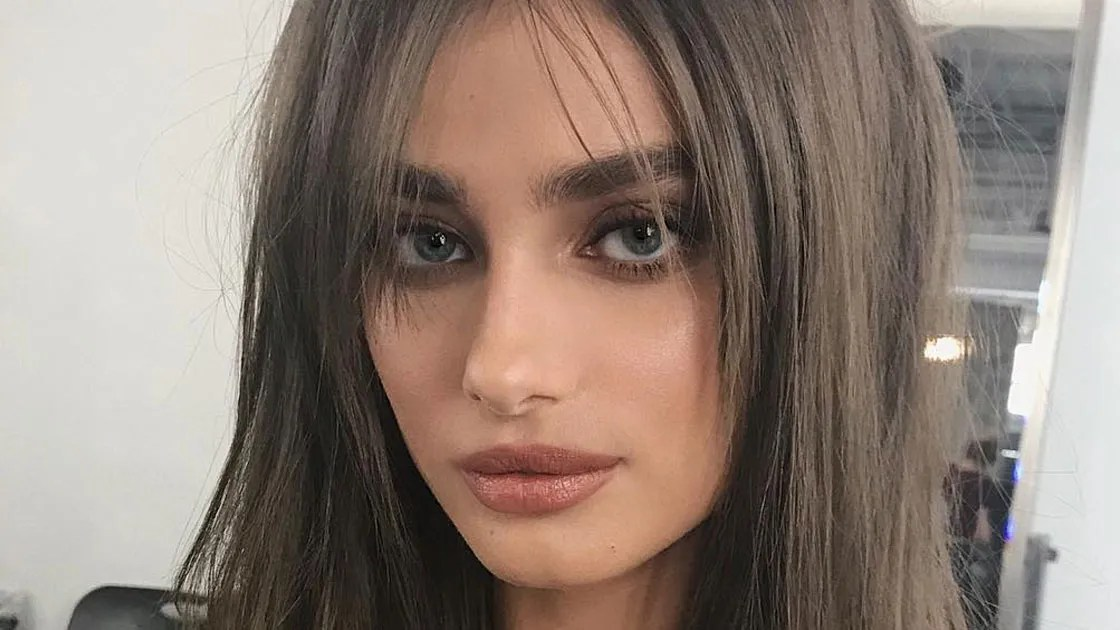 Victorias Secret Models Update Their Bombshell Hair With