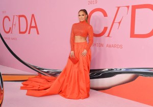 Jennifer Lopez Pulls Off the Red Carpet Crop Top at the CFDAs