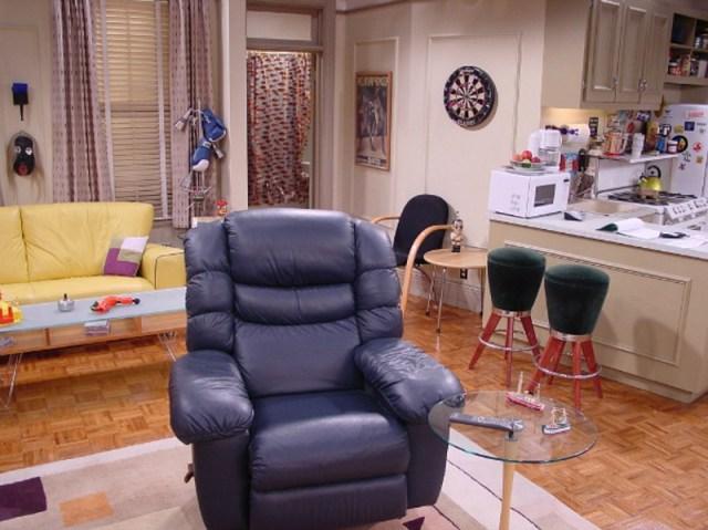 Virtual Background - Friends - Black Chair