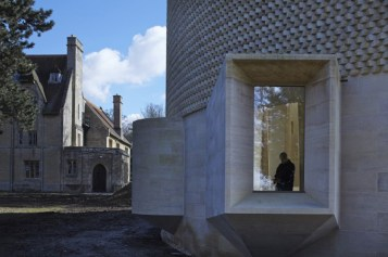 Bishop Edward King Chapel by Niall McLaughlin Architects | Yellowtrace.