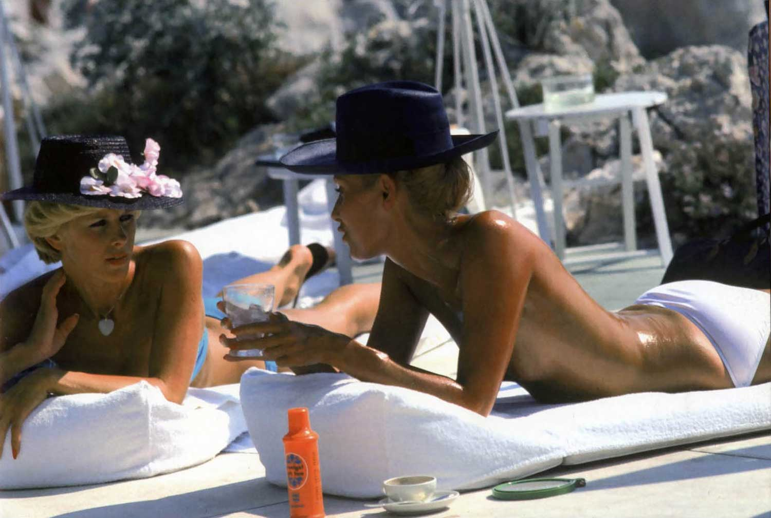 Happy Holidays From Yellowtrace  U0026 Slim Aarons