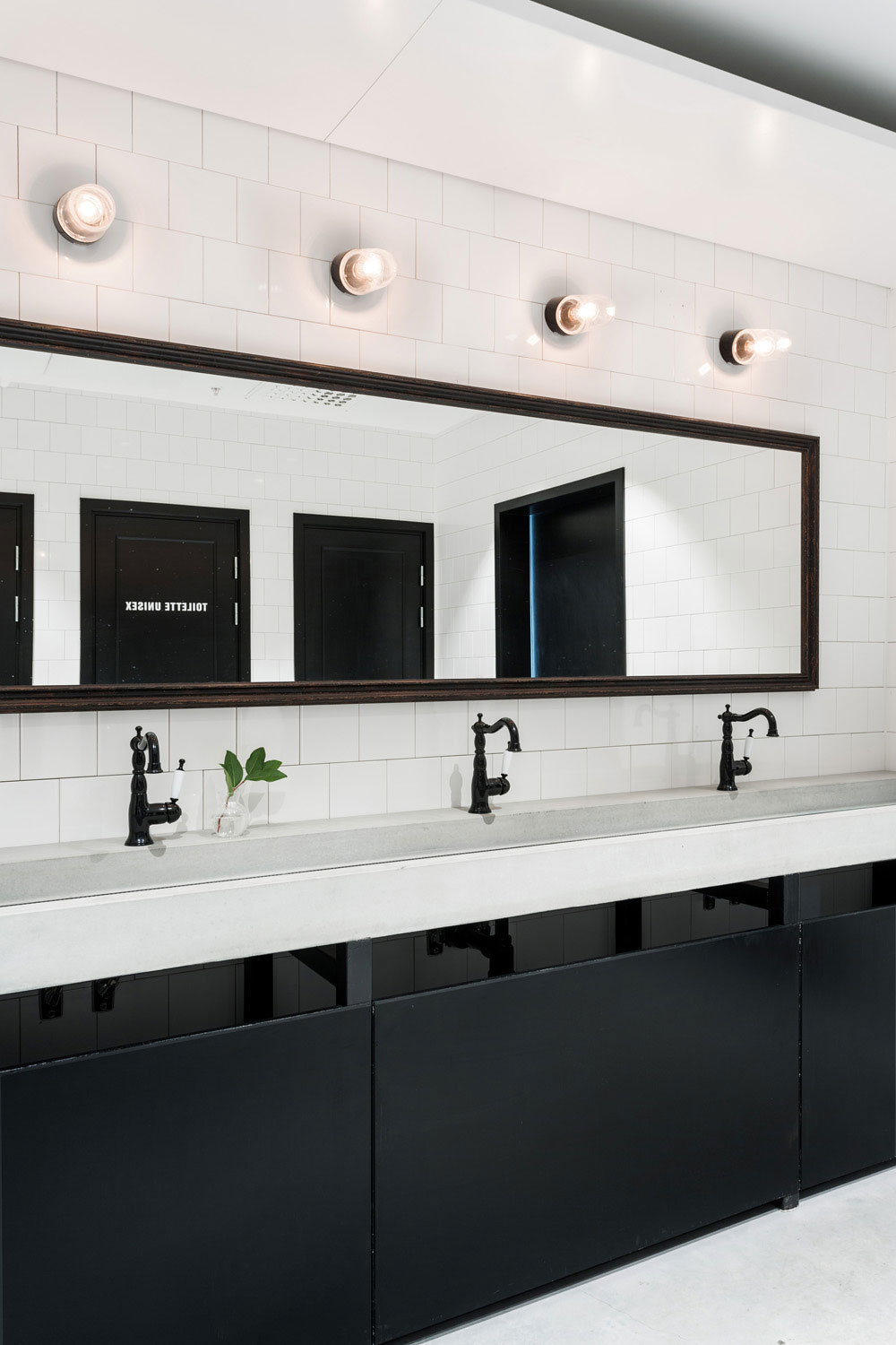 Usine restaurant stockholm by richard lindvall yellowtrace - Restaurant bathroom design ideas ...