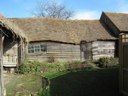 Ancient Party Barn by Liddicoat & Goldhill | YellowtraceAncient Party Barn by Liddicoat & Goldhill | Yellowtrace