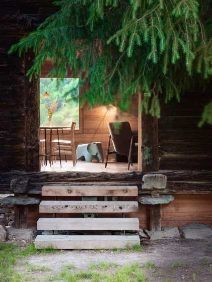 In the Middle of Nowhere Sarreyer Cabin by Rapin Saiz | Yellowtrace