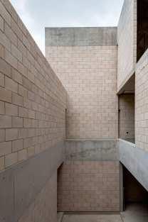 AS Building Mexico City by Ambrosi I Etchegaray | Yellowtrace