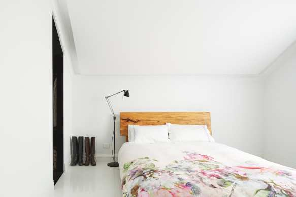 North Perth Townhouse Transformed With Colour by Simon Pendal | Yellowtrace