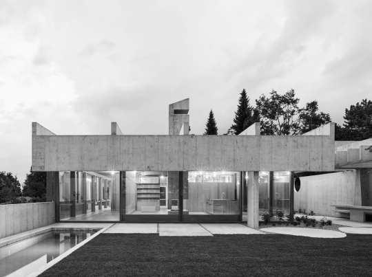 House in Binningen, Switzerland by Buchner Bründler Architects | Yellowtrace