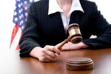 Female-judge-w