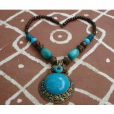 wooden-beads-necklace-with-blue-acrylic-metal-pendant