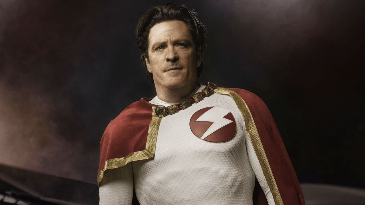 How Michael Madsen Plays The SupermanDoctor Manhattan Of