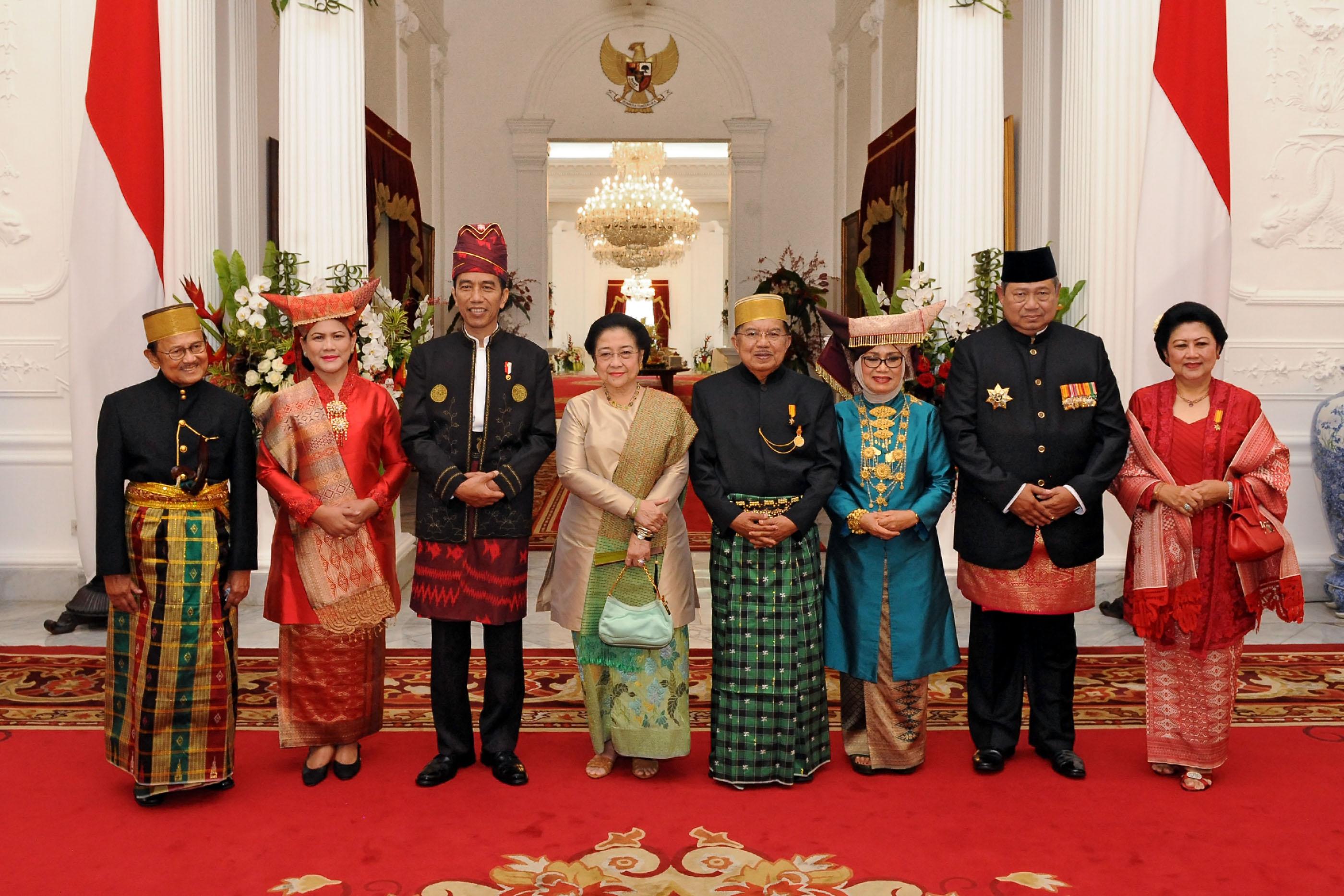 Jokowi Pakaian Adat