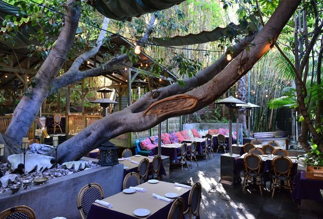 Best LA Date Spots: 13 Los Angeles Date Restaurants & Bars