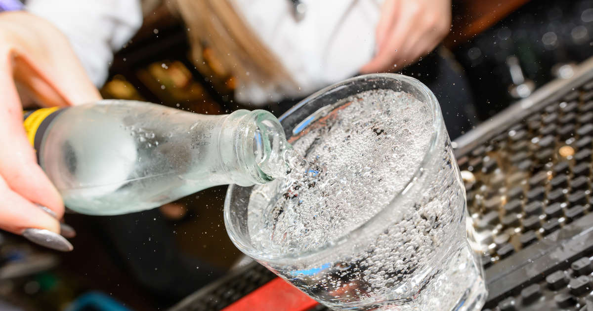 Club Soda Vs Seltzer Water The Difference Between