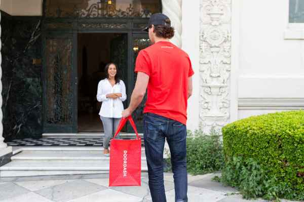 DoorDash Is Giving Unlimited Free Delivery to Chase Card Holders
