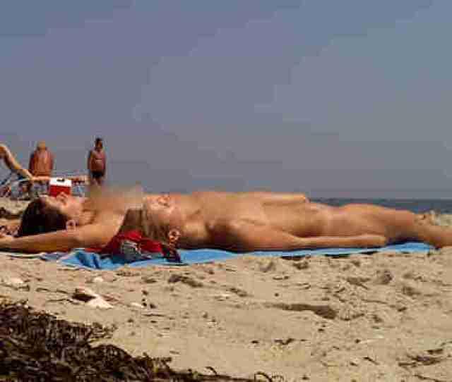Naked Women Sunbathe