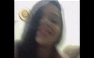 Vídeo pornô com a moreninha na sacanagem