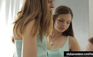 Irmãs Gêmeas Trepando Com O Primo Playboy