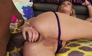 Novinha com rola no cu no porno amador