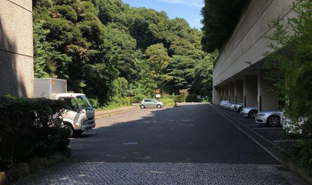 横浜市南部斎場・駐車場景観