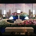 横浜市北部斎場・ご葬儀・お葬式・生花祭壇 新JKシリーズ施工事例