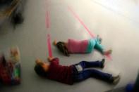 Les enfants restituent la position du défunt
