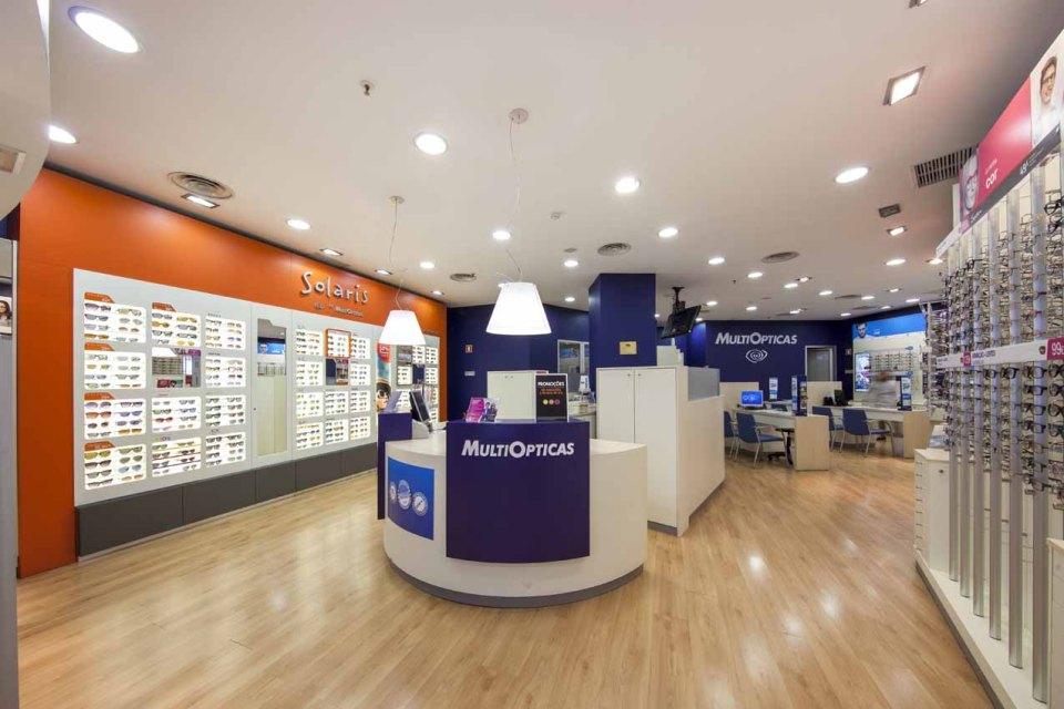 MultiOpticas abre algumas lojas para prestar serviços urgentes