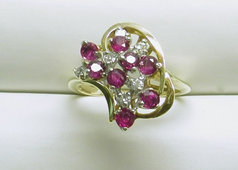 dr-2637 Ruby & diamond cluster ring in 14K yellow gold