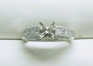 sb-2998 Engagement Ring with princess cut diamonds, 18K white gold