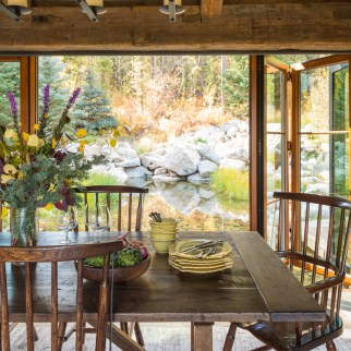 This dining room feels of warm sunshine, nourishing food and good company.