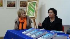 """Presentazione del romanzo """"La porta misteriosa"""" di Andrea Ansevini - Da sx: Alessandra Montali ed Elena Coppari"""