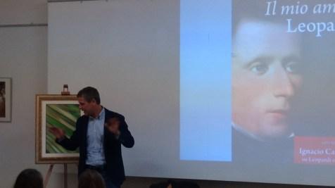 """Mario Elisei durante la sua conferenza """"Il mio amico Leopardi"""""""