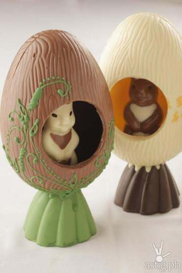 Easter Egg with rabbit